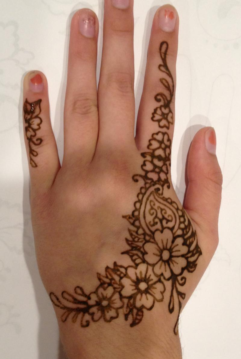 Black Henna: Tat It Up! Lela's Hair Salon